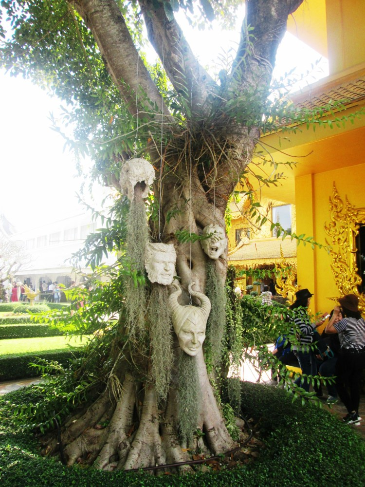 Chiang Rai - White Temple8.jpg