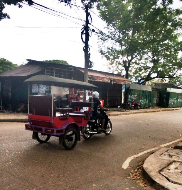 Tuk Tuk Camboja.jpg