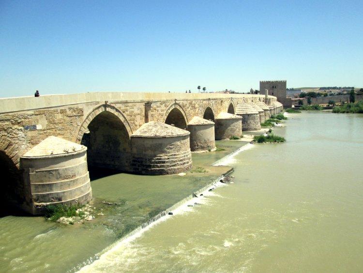 Ponte Romana e Torre Calahorra