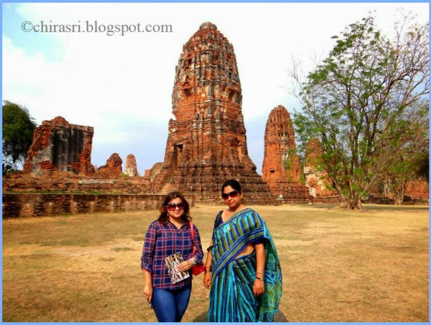 Me and my mom in Wat Maha That in Ayutthaya