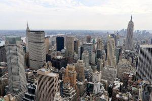 Blick vom Top of the Rock auf New York und Empire State Building