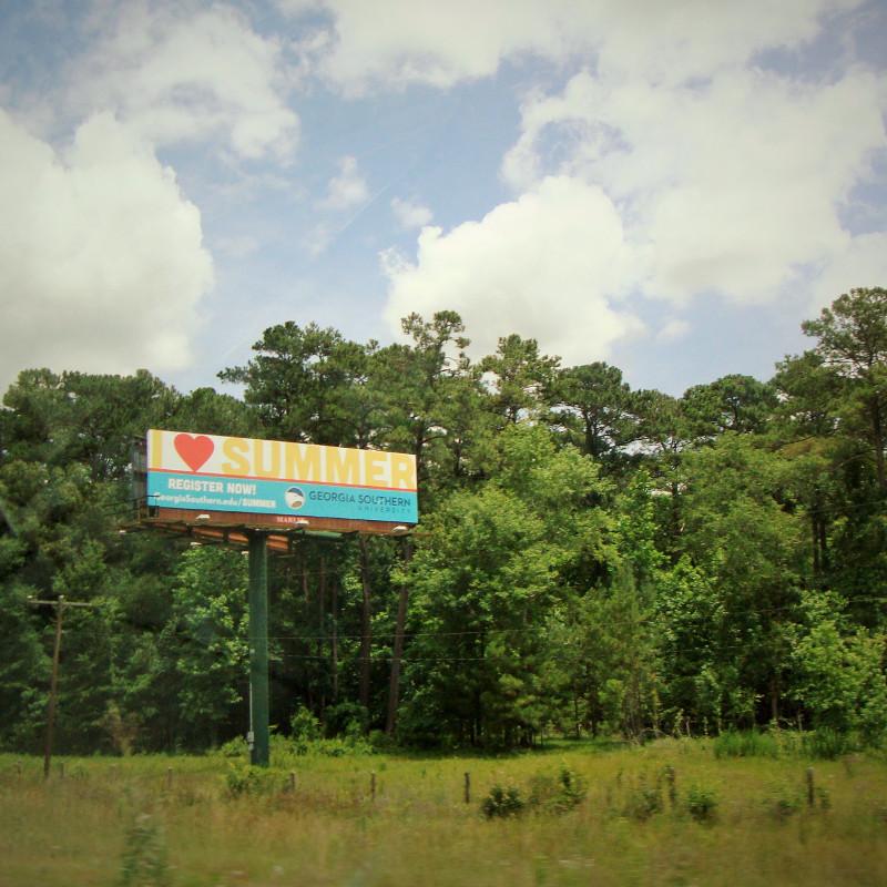 Riesige Werbetafel am Straßenrand in Georgia USA