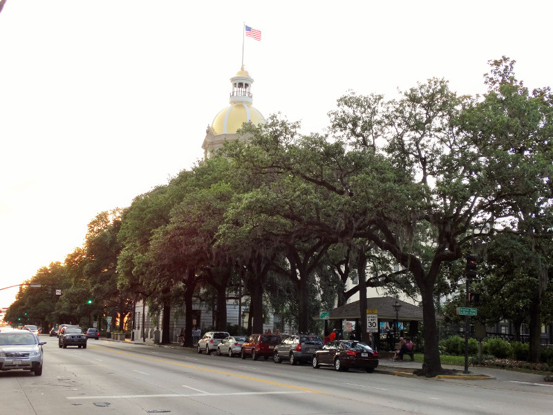 Rathaus in Savannah mit goldener Kuppel