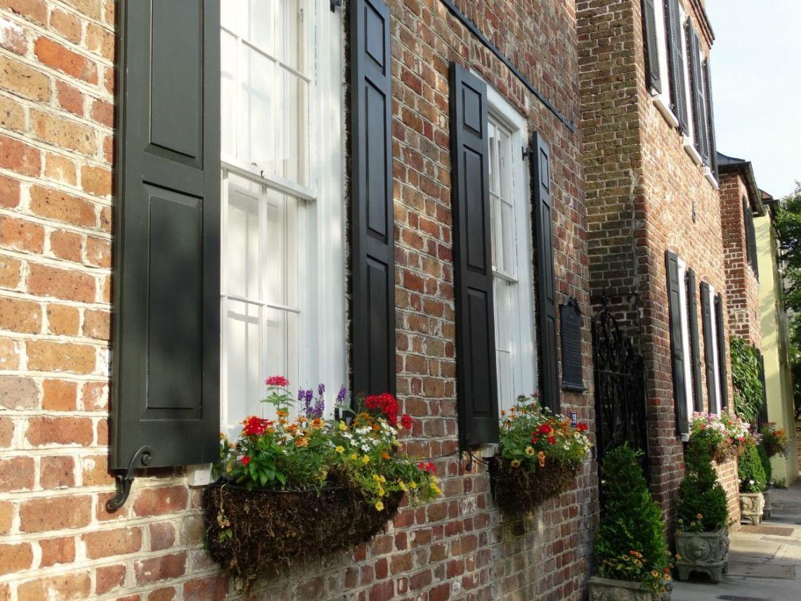 Charleston houses