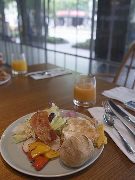 amba_zhongshan_breakfast.20