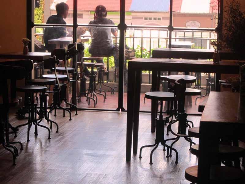 cafe apartment saigon