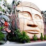 Statue in Suoi Tien Theme Park, Saigon
