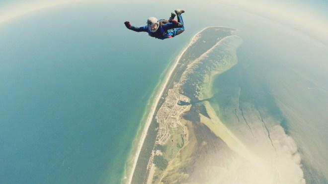 Bora Bora adventures: skydiving