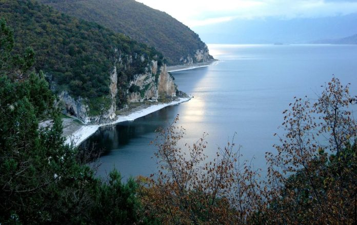 Travels by Travelers Ένας μύθος για τις Πρέσπες Ελλάδα Θεσσαλονίκη & Μακεδονία Διαδρομές  Δασερή Μικρή Πρέσπα Άγιος Αχίλλειος Πρέσπες