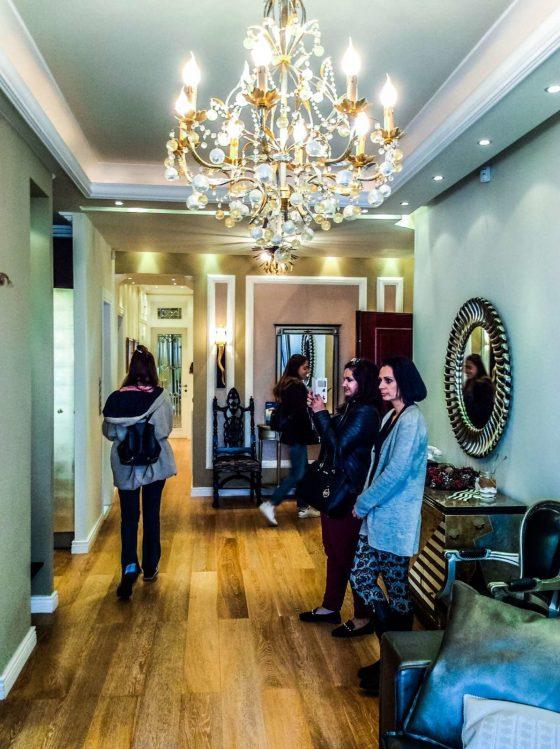 Πρόσφατα ανακαινισμένο διαμέρισμα με σύγχρονη διακόσμηση επί της πλατείας Αριστοτέλους