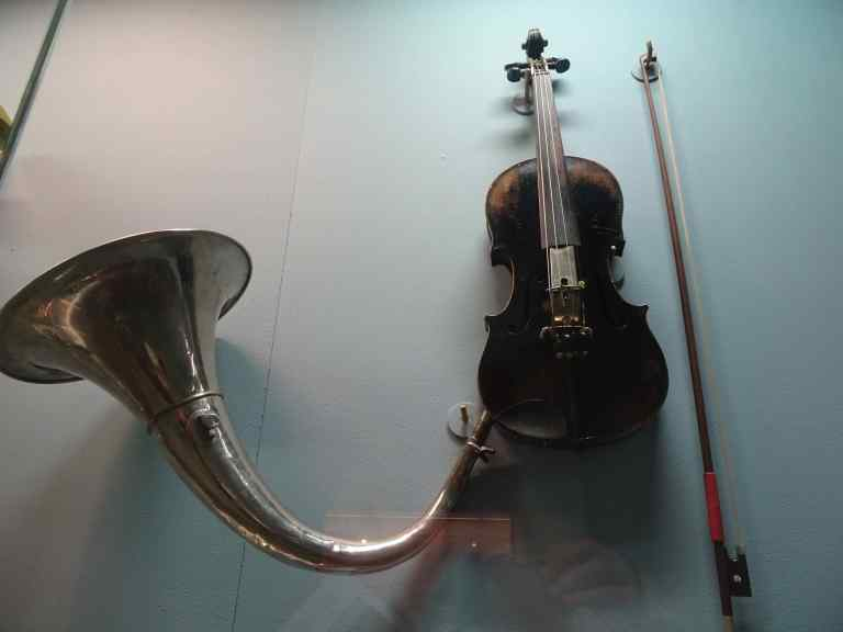 Violinophone