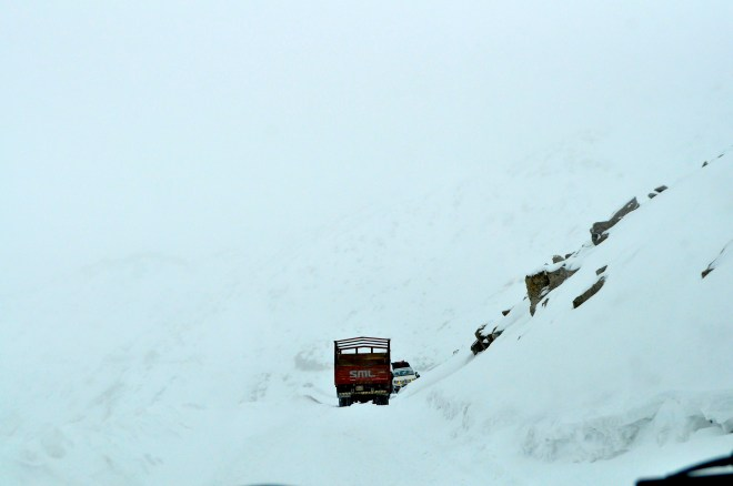 Visibility at Khardung La (5600m) in the middle of a snowstorm