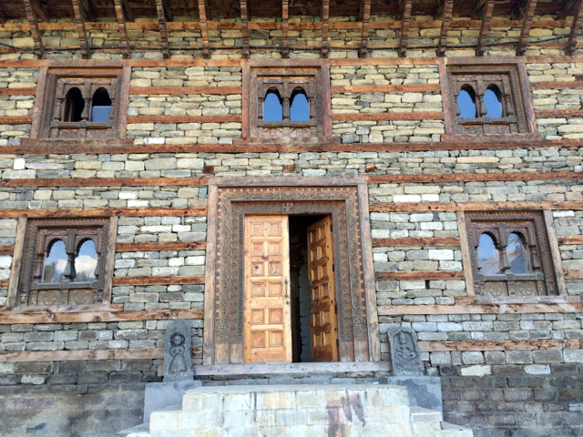 Naggar Castle other side