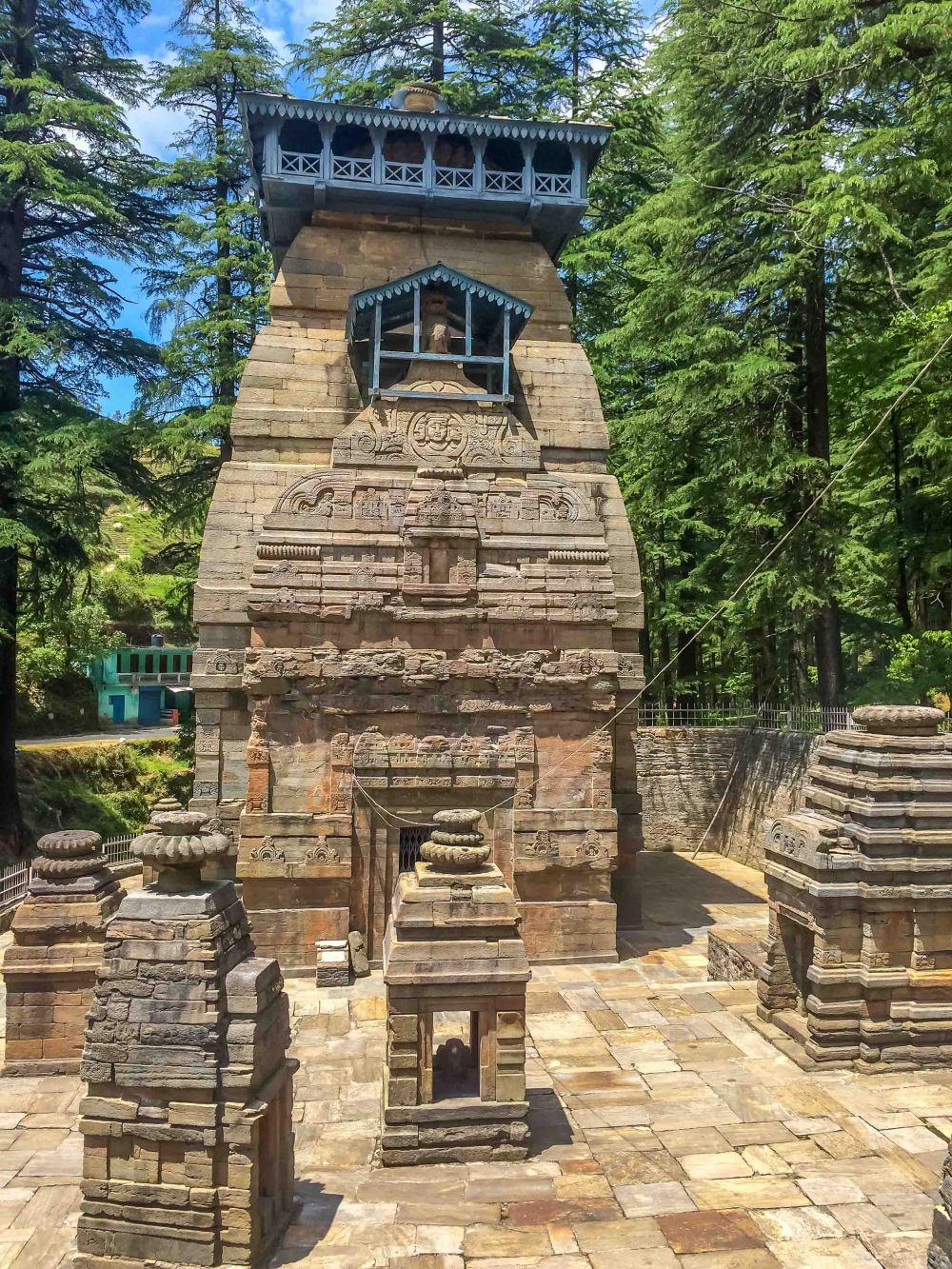 Dundeshwar Temple