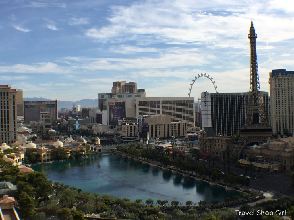 vegas hotels with kitchen outdoor plans free terrace one bedroom at the cosmopolitan | las ...