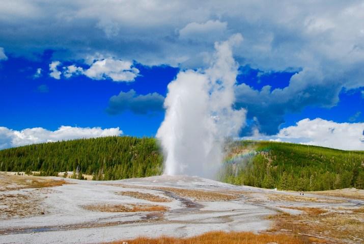 geyser-2166878_1920