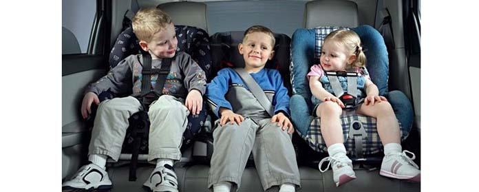 Дети в автокресле