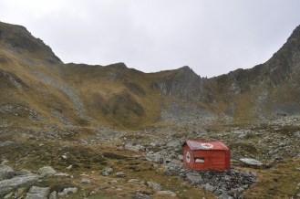 Bowl, Mountains, Hut