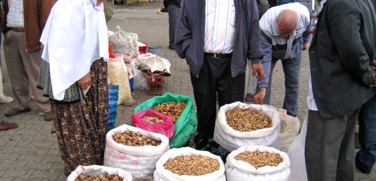 Markets-Turkey-Nut Vendor