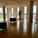 Milwaukee Art Museum: With open spaces and views of Lake Michigan, visitors are invited to sit and relax. (Photo credit: Suzanne Ball. All rights reserved.)