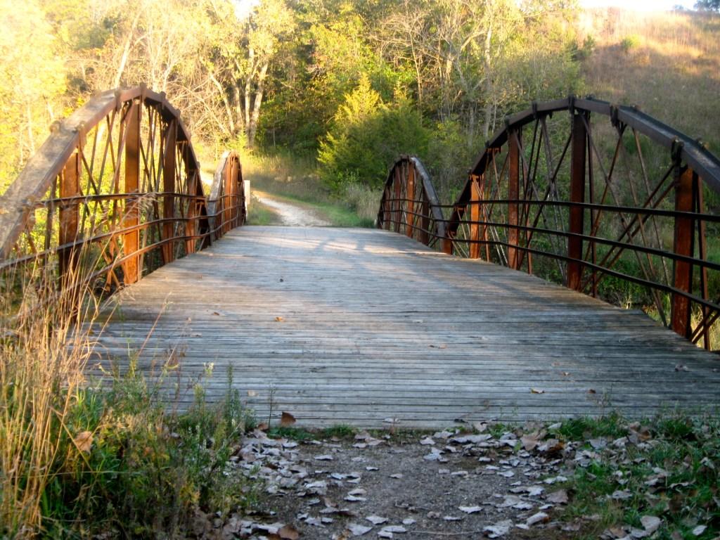 Wisconsin Rustic Roads include wooden bridges.