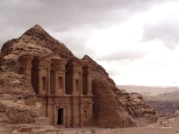 https://i0.wp.com/travelsofadam.com/wp-content/uploads/2016/05/petra-amazing-620x465.jpg