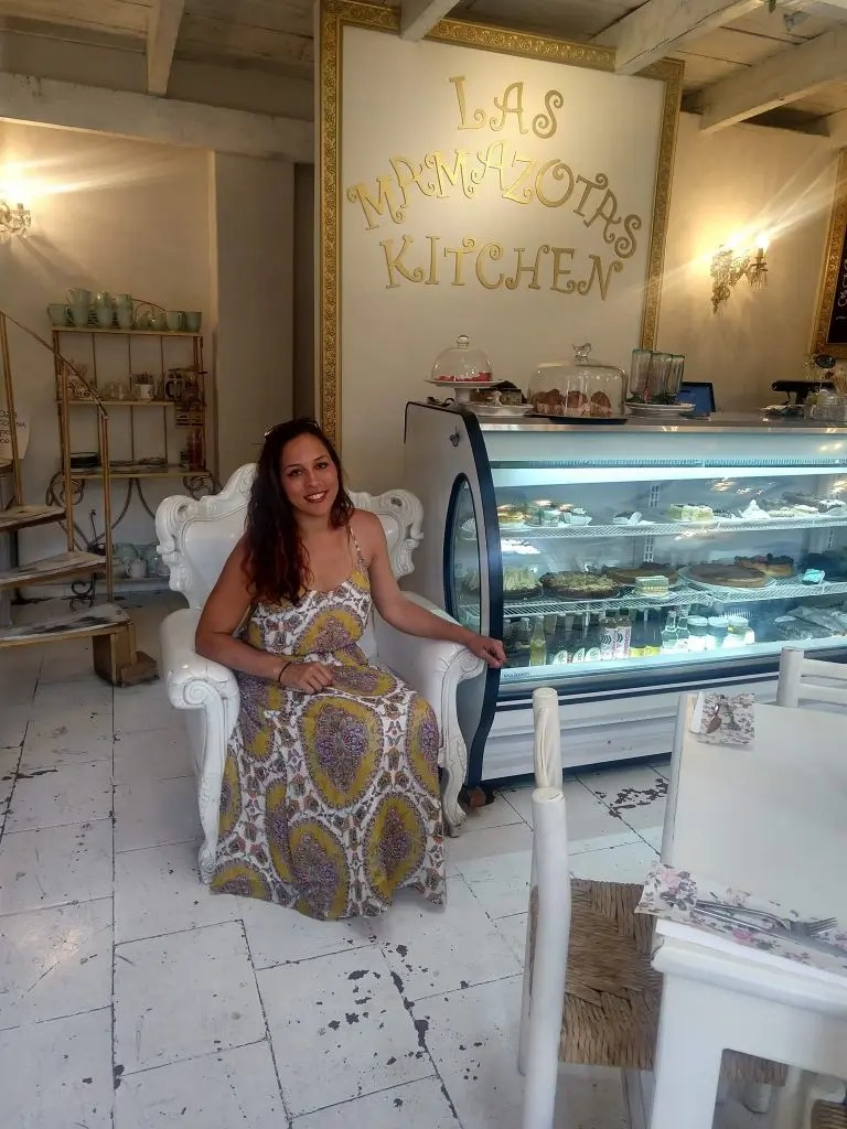 Sarah Fay in very cute bakery invCoyoacán Mexico City