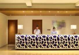 Holiday Inn Express Bali Kuta Square Resepsionis