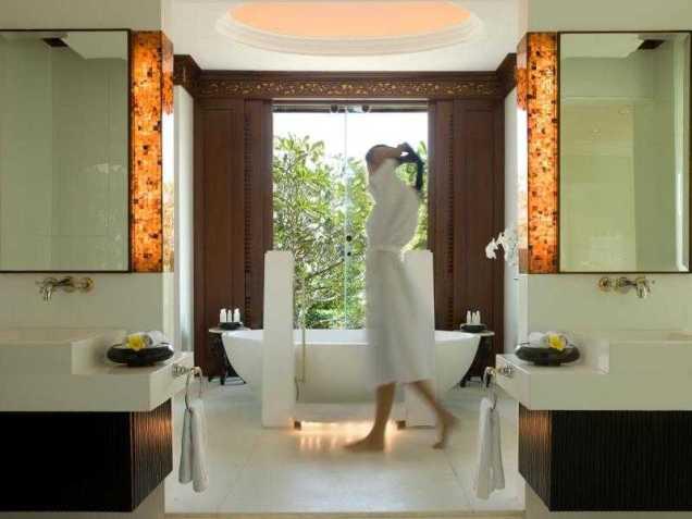 Intercontinental Bali Bath Room