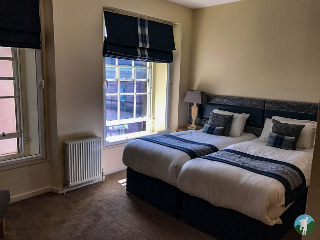 edinburgh princes street suites bedroom