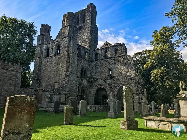 kelso abbey scottish borders history trail