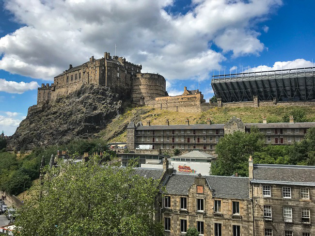 edinburgh castle best view grassmarket