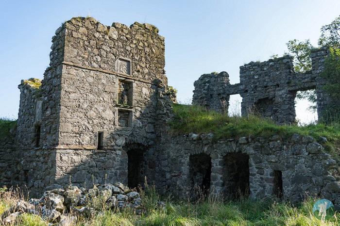 aberdeenshire ruins pitsligo castle
