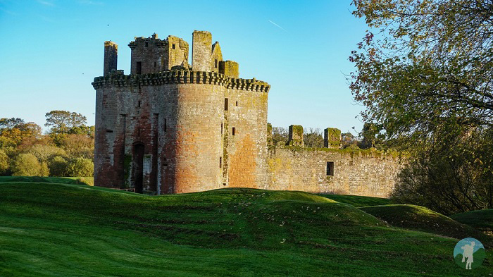 caerlaverock castle dumfries and galloway