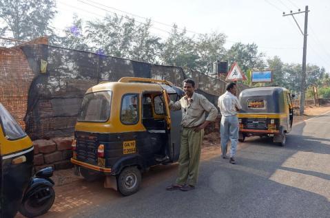 5.1453481672.suresh-our-friendly-rickshaw-wizard