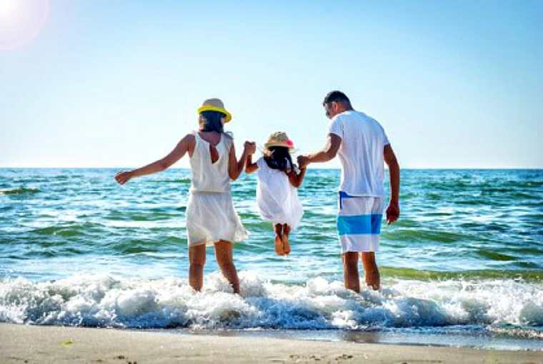 How to Plan the Perfect Beach Vacation Travels with Bibi