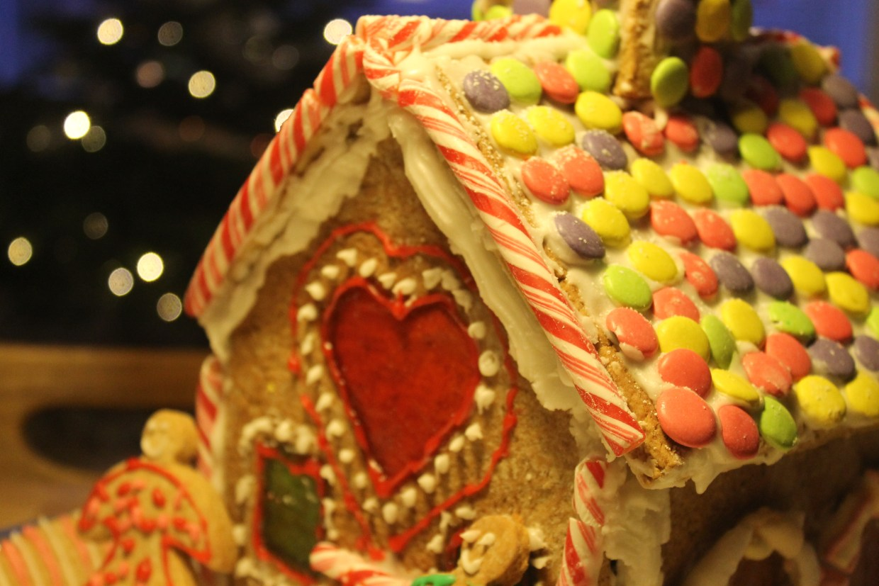 The finished gingerbread house