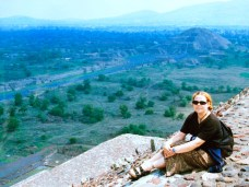 Ali sat at the top of the Aztec Pyramid of the Sun at Teotihuacan in Mexico