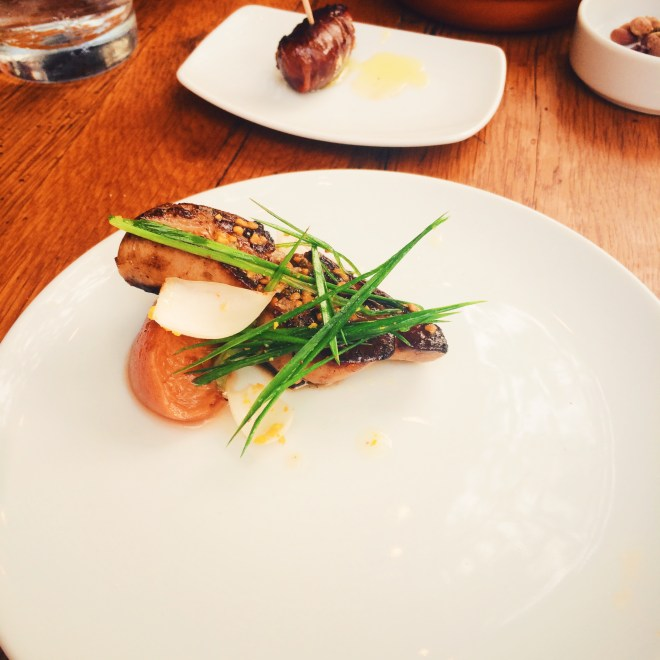Foie Gras y Duraznos - Seared foie gras with chamomile roasted peaches, lily bulb and chive blossoms