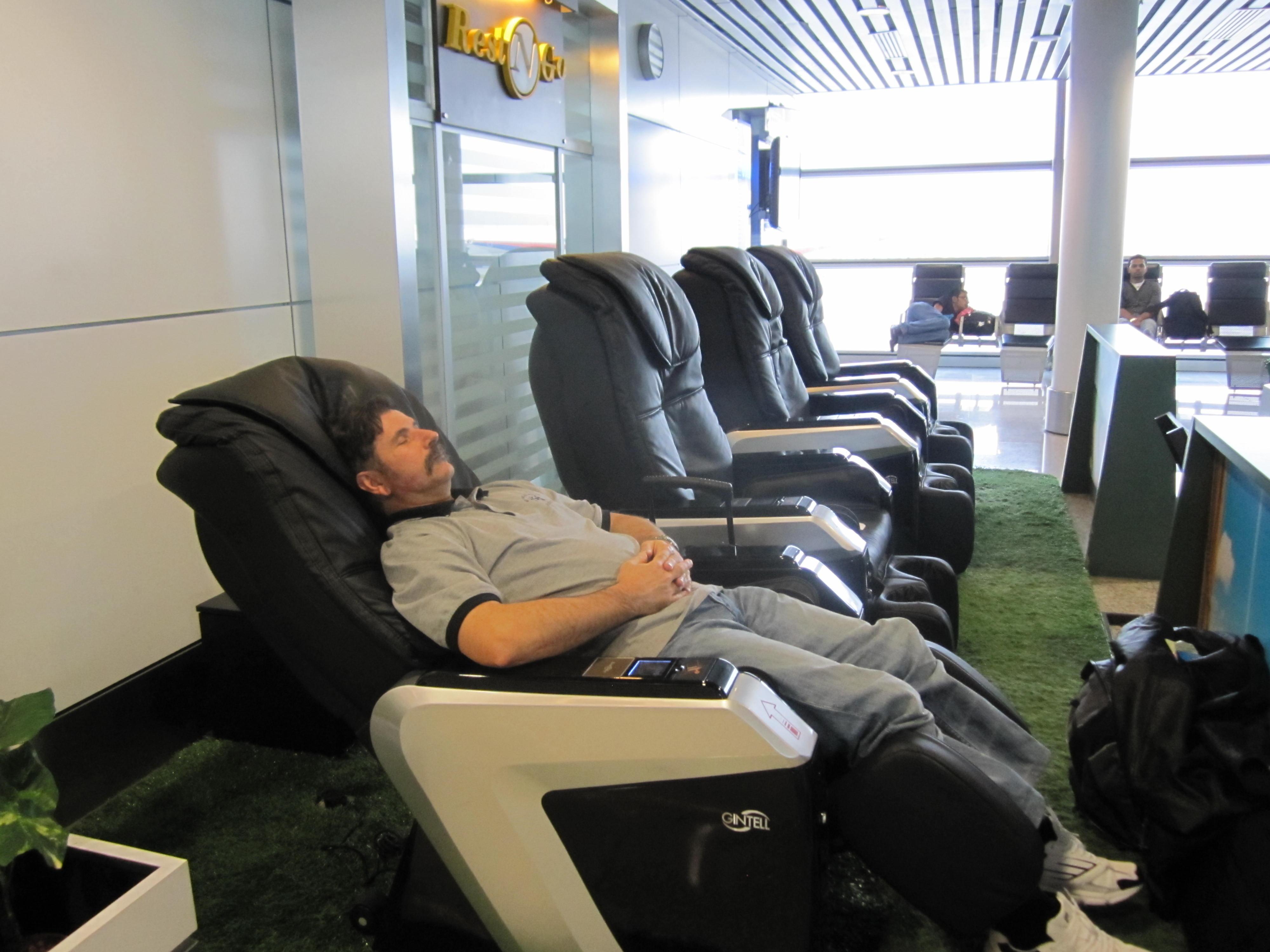 massage chair  Travels with PrincessQuiquinou