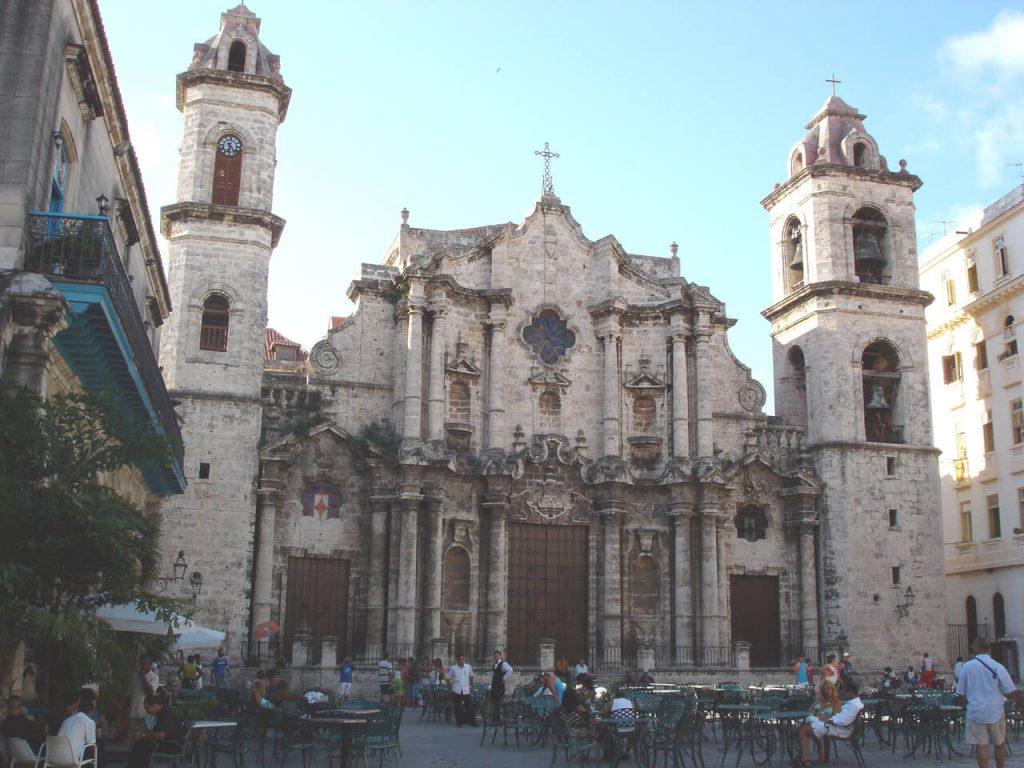 Visit Havana. Plaza de la Catedral in Havana, Cuba