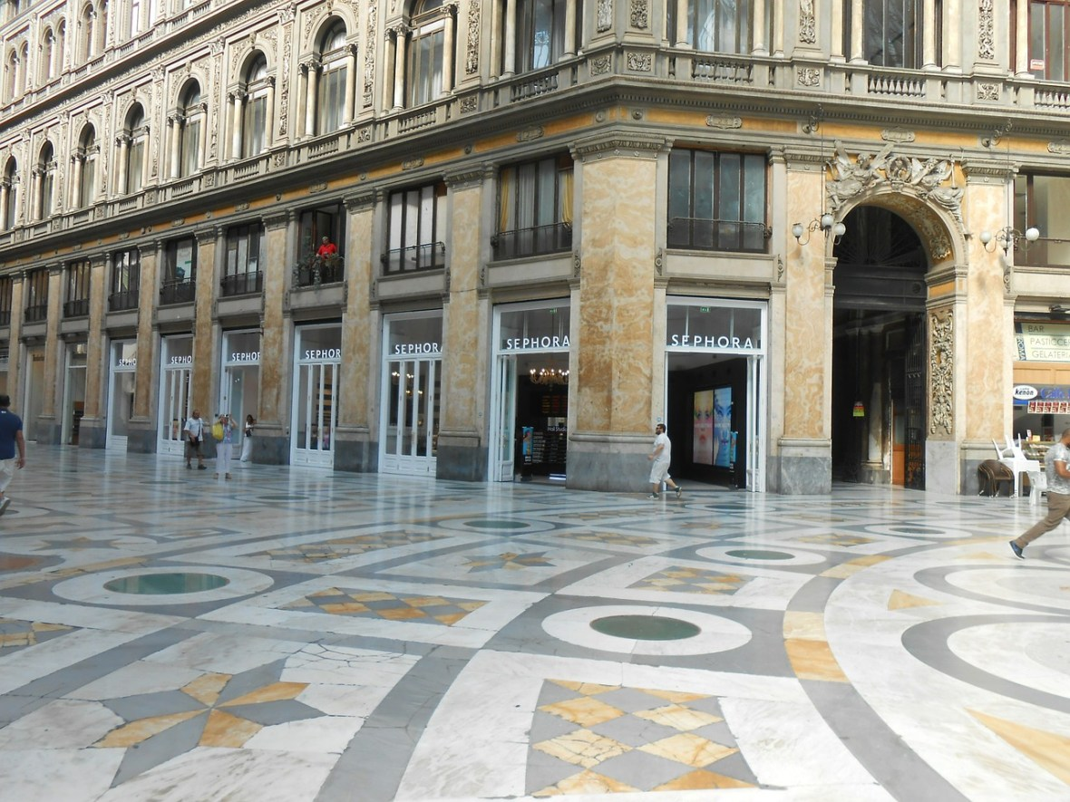 Naples shopping galeria