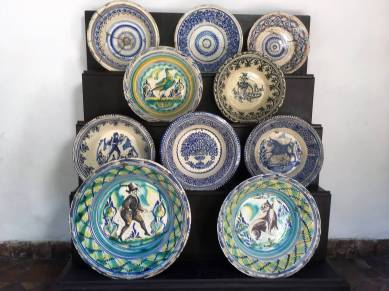 Plate display in Casa Velasquez