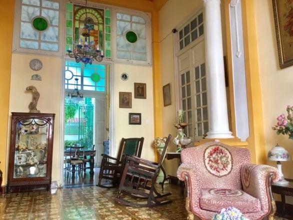 Santiago living room