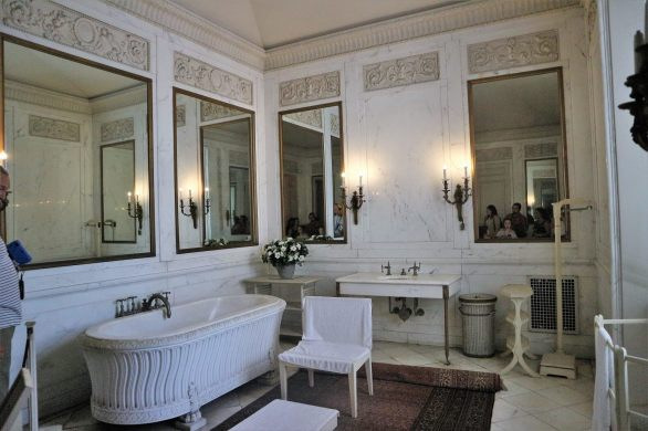 Period bathroom at one of the great Newport mansions