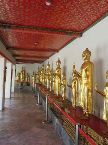 Over 1,000 Buddha figures