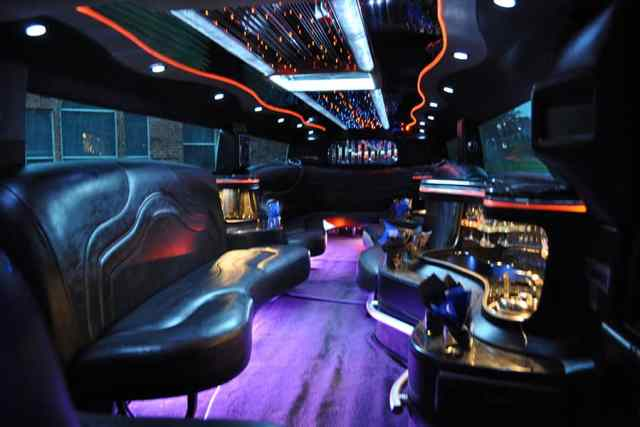 Dallas cocktails, empty nest, limousine, dallas limousine, Texas