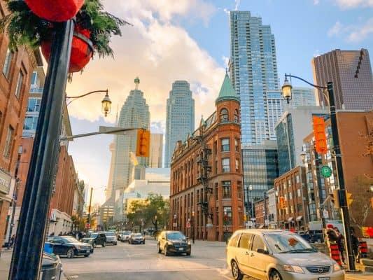 Visit Toronto with CityPASS