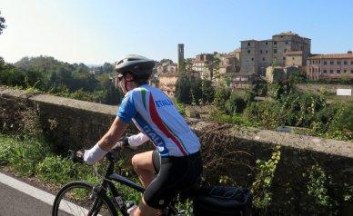 Cycling tuscany