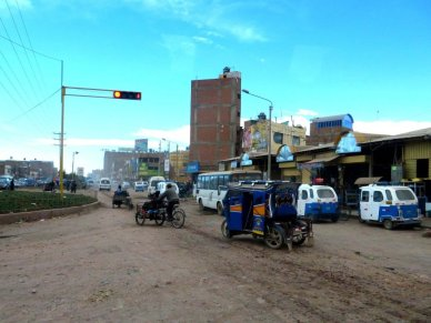 Peru mototaxi in traffic